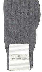 #055901.  . NAVY Retail $  10.00 King Sized Socks by BRUNO PIATTELLI. SOLID KING SIZE Whs A:  2