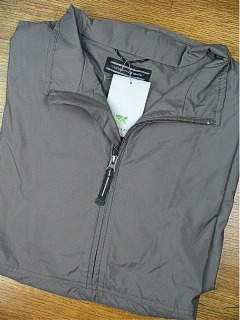 #201627. 2XL BIG. CLOVE Retail $  99.00 Golf Tops by CUTTER BUCK. WINDTEC HALF-ZIP FW:  1