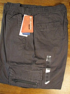 #092564. 2XL BIG. BUFFALO Retail $  60.00 Cotton Casual Pants by COLUMBIA SPORTSWEAR. GPS CARGO 30 INSEAM Whs A:  1 FW:  1