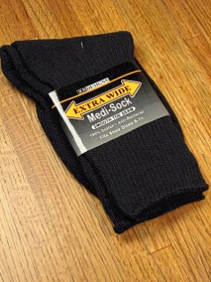 #173085.  . BLACK Retail $   9.50 Regular Sized Socks by EXTRA WIDE SOCK. MEDI SOCK REG SIZE Whs A: 22 FW:  3