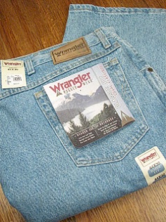 #222242. 52 34. INDIGO Retail $  44.00 Cotton Jean by WRANGLER. RUGGED WEAR ROUGH WSH <font face=arial size=2><BR>Special Order Item.</font> <B>Item stocked by Wrangler.  Allow 2 weeks for delivery.</B>
