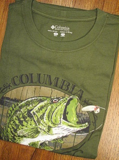 #332156. XL BIG. GREEN Retail $  30.00 Short Slv Graphic Tee by COLUMBIA SPORTSWEAR. AUTHENTIC BASS TEE Whs A:  2