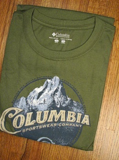 #195795. XL BIG. GREEN Retail $  30.00 Short Slv Graphic Tee by COLUMBIA SPORTSWEAR. MOUNTAIN TIME TEE Whs A:  2