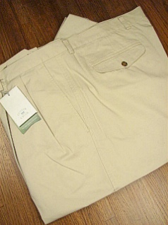 #013356. 48 LONG. BONE Retail $  86.00 Cotton Casual Pants by CUTTER BUCK. CLASSIC TWILL PLEAT <font face=arial size=2><BR>Special Order Item.</font> <B>Item stocked by Manufacturer.  Allow up to 3 weeks for delivery.</B><br><b>This item re