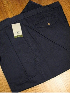 #257949. 60 REG. NAVY Retail $  86.00 Cotton Casual Pants by CUTTER BUCK. CLASSIC PLEAT TWILL <font face=arial size=2><BR>Special Order Item.</font> <B>Item stocked by Manufacturer.  Allow up to 3 weeks for delivery.</B><br><b>This item req
