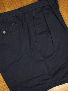 #180841. 48 REG. NAVY Retail $  72.00 Shorts by CUTTER BUCK. CLASSIC TWILL PLEAT <font face=arial size=2><BR>Special Order Item.</font> <B>Item stocked by Manufacturer.  Allow up to 3 weeks for delivery.</B>