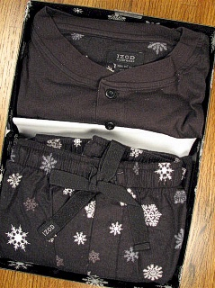 #032016. XL BIG. BLACK Retail $  45.00 Flannel Loungepants by IZOD. MICROFLEECE GIFT SET FW:  1