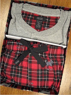 #046385. XL BIG. GREY Retail $  45.00 Loungepant Sets by IZOD. MICROFLEECE GIFT SET Whs A:  2 FW:  1