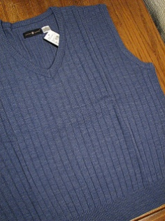 #145549. 2XL TALL. HT BLUE Retail $  36.00 Sweaters by CTTON TRADERS. PULLOVER V-NECK VEST Whs A:  1