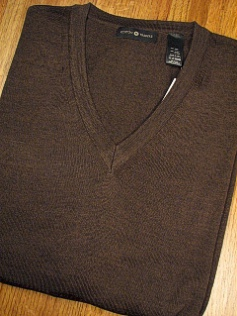 #064684. 2XL BIG. BROWN Retail $  69.00 Sweaters by CTTON TRADERS. MERINO BLEND V-NECK FW:  1