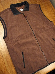 #117900. 2XL TALL. MOCHA Retail $  39.00 Outerwear by WOOD LAND TRAIL. POLAR FLEECE ZIP VEST Whs A:  1