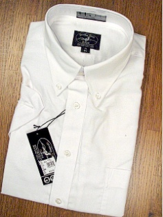 #126128. 19.0 BIG. WHITE Retail $  39.00 Short Sleeve Dress Shirts by JONATHAN QUALE. COMFORT OXFORD WF Whs A:  3 FW:  2