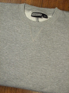 #219152. 5XL BIG. GREY Retail $  38.00 Athletic Crew by WHITE MOUNTAIN. PENNANT FLEECE CREW Whs A:  5 FW:  1