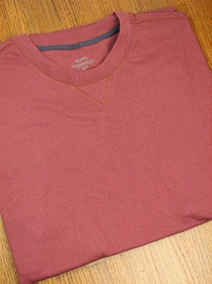 #035132. 2XL BIG. WINE Retail $  25.00 Short Slv No Pocket by WHITE MOUNTAIN. VINTAGE CREW TEE Whs:  3,