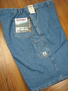 #009177. 48 . INDIGO Retail $  38.00 Shorts by WRANGLER. FLAT FRONT ANGLER Whs A:  4