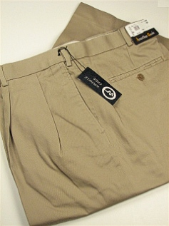#261760. 42 36. KHAKI Retail $  69.00 Cotton Casual Pants by JONATHAN QUALE. PLEAT XPAND WRNKLFREE Whs A:  1