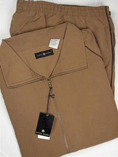 #328672. 4XL BIG. TAUPE Retail $  85.00 Jog Set by CTTON TRADERS. POLY MFBR JOG SUIT Whs A:  4 FW:  1