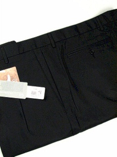 #080765. 48 . BLACK Retail $  85.00 Shorts by CUTTER BUCK. COCONA LUXE HBONE Whs A:  4