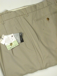 #282608. 54 . SAND Retail $  85.00 Shorts by CUTTER BUCK. COCONA LUXE HBONE FW:  1,