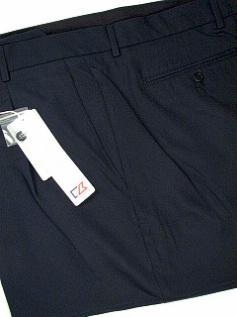 #139957. 54 . NAVY Retail $  85.00 Shorts by CUTTER BUCK. COCONA LUXE HBONE Whs:  1,FW:  1,