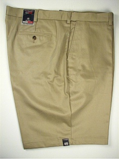 #138367. 50 . KHAKI Retail $  46.00 Shorts by ROUNDTREE YORK. EXPANDER FLAT FRONT Whs A:  2 FW:  2